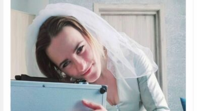 Photo of 24 Years Old Russian Girl Marries To Her Briefcase