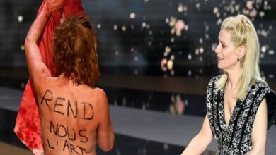 Photo of French Female Artiste Protests Naked at Film Awards in France