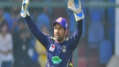 Photo of PSL 6: Quetta Gladiators Captain Sarfraz Ahmed to Leave for Abu Dhabi Today