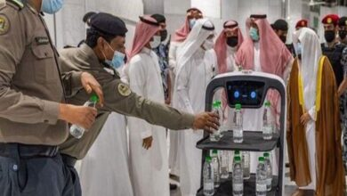 Photo of Now Robots Will Offer Aab-e-Zamzam to Visitors