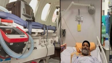 Photo of Ailing Comedian Umer Sharif Leaves for US in Air Ambulance